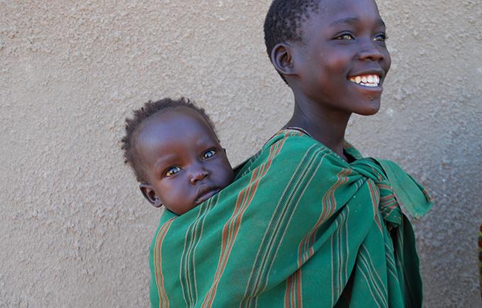 في غضون 10 سنوات، يمكن للعالم أن يحقق ثلاث نتائج تحويلية، بتكلفة لا تتجاوز 264 مليار دولار، وفقًا للبحث الجديد الذي تم الكشف عنه في قمة نيروبي حول المؤتمر الدولي للسكان والتنمية 25 © صندوق الأمم المتحدة للسكان في أوغندا